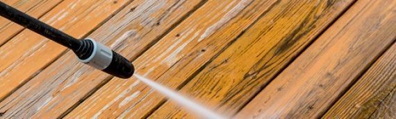 Tips for Cleaning a Wood Fence or Deck